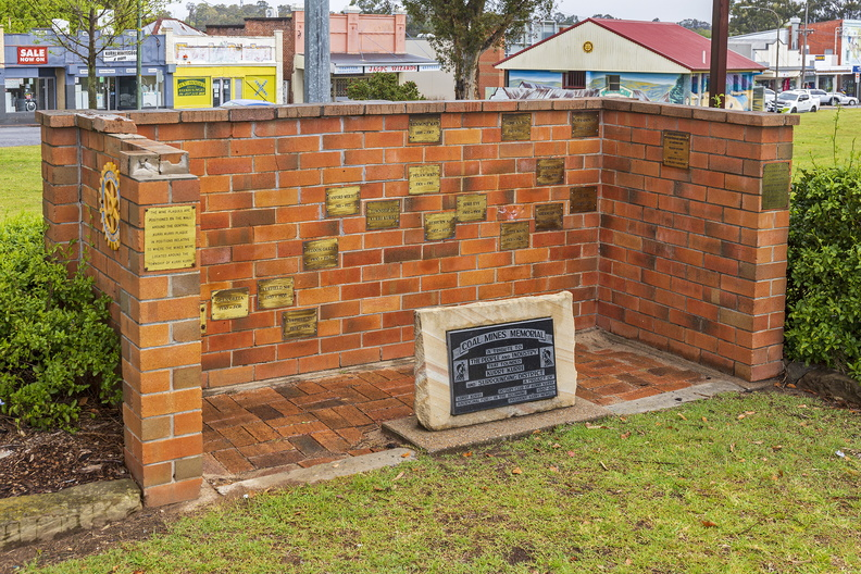 Coal Mines Memorial at Rotary Park in Kurri Kurri.jpg