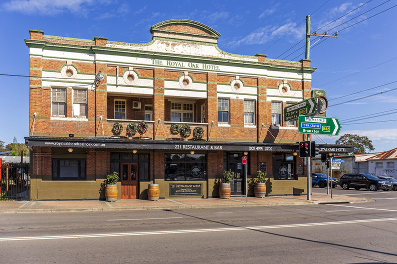 Royal Oak Hotel in Cessnock