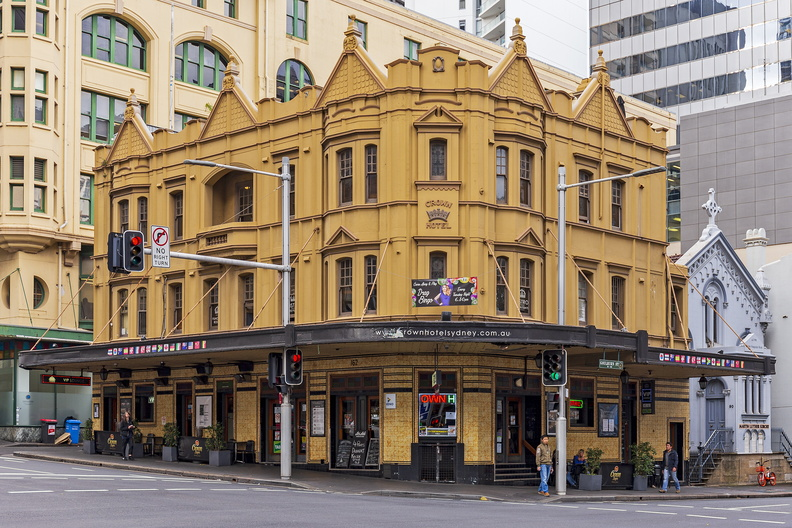 Crown Hotel on 160–162 Elizabeth Street, Sydney