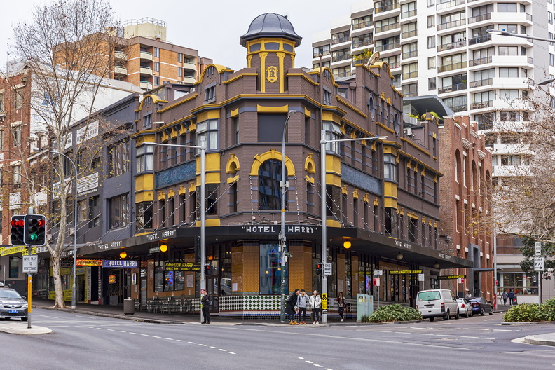 Hotel Harry (formerly Macquarie Hotel) on 40-44 Wentworth Avenue, Sydney.jpg